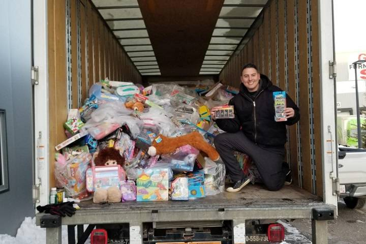 Can Man Dan to hold fifth, final campout for Edmonton Food Bank this season