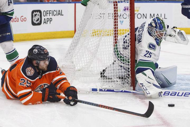 Edmonton Oilers down but Hitchcock sees signs of life