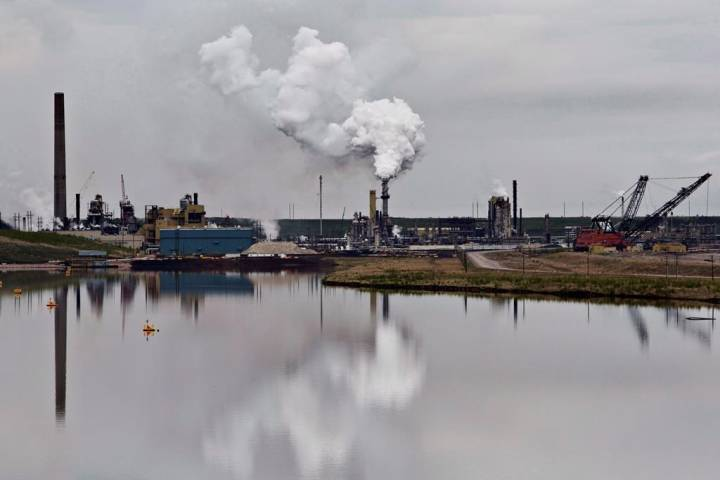 Ottawa accused of undercutting climate change effort by subsidizing fossil fuels