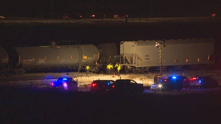 1 dead after being hit by train in northeast Calgary on New Year's Eve: police