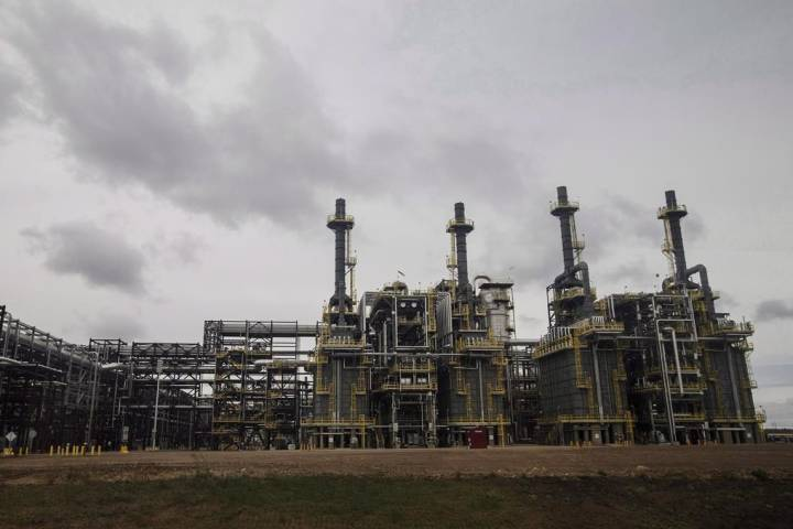 Alberta oil production cap remains unchanged despite price recovery