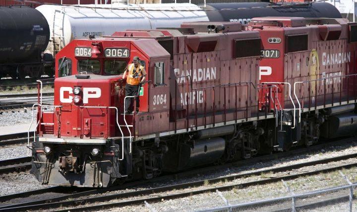 CP Rail's 4th-quarter revenues surge amid high demand for oil, grain