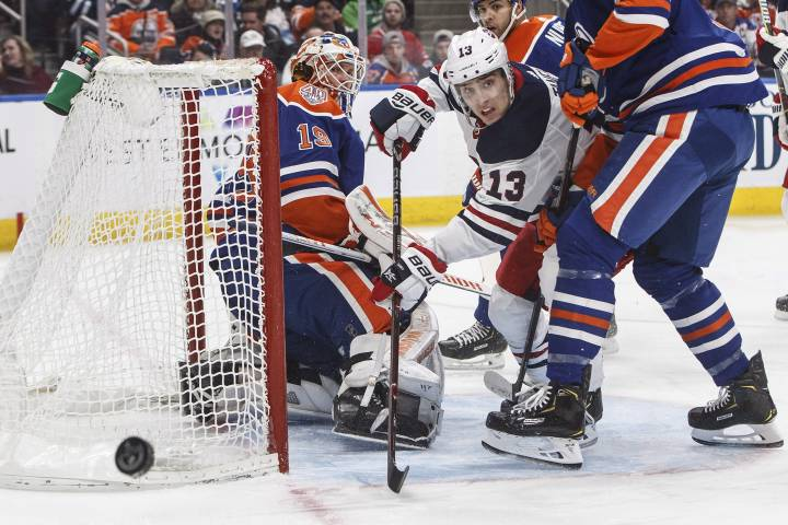 Edmonton Oilers fall short against Jets for sixth straight loss