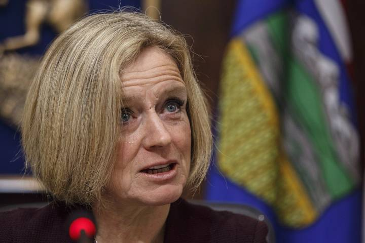 Federal government needs to 'step up' and support Alberta's oil and gas industry: Notley
