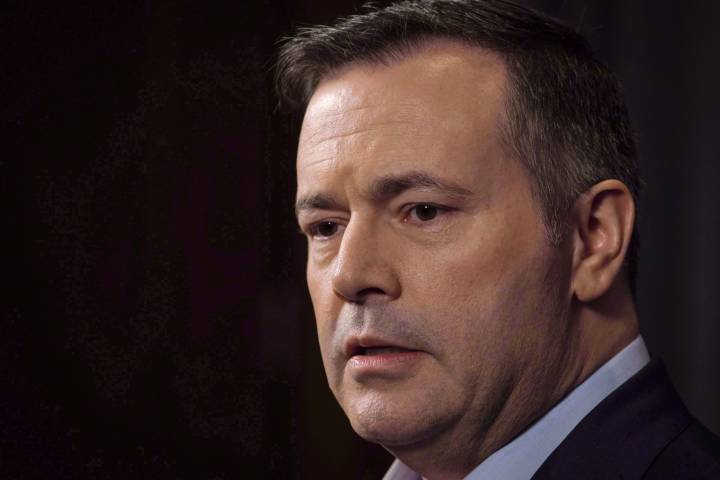 Jason Kenney blames Trudeau, Notley for Alberta's oil troubles