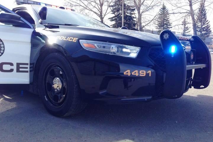 Pedestrian struck by car overnight in north Calgary