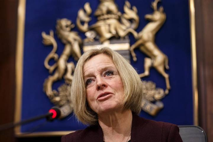 Rachel Notley resists calls to fire Alberta environment minister over Bighorn