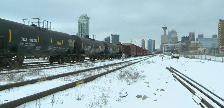 Record amount of Canadian oil exported by rail raises safety concerns
