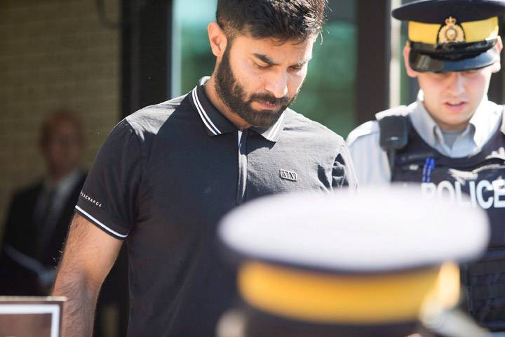 Semi driver charged in Humboldt Broncos bus crash due back in court