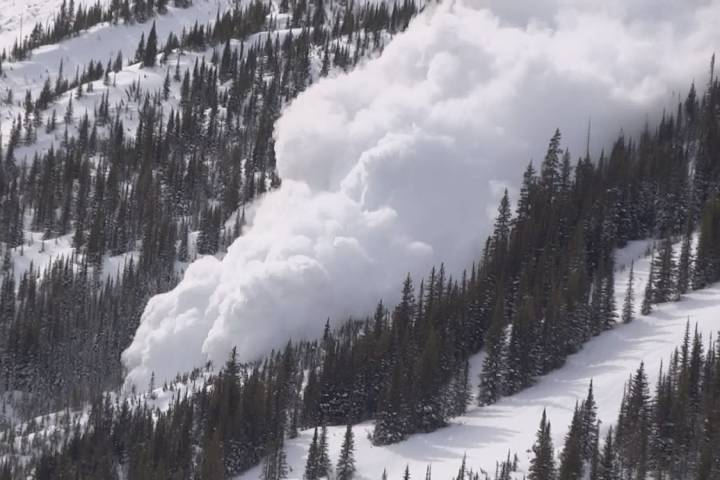Wind, snowfall, avalanche warnings in southwest Alberta and Rockies