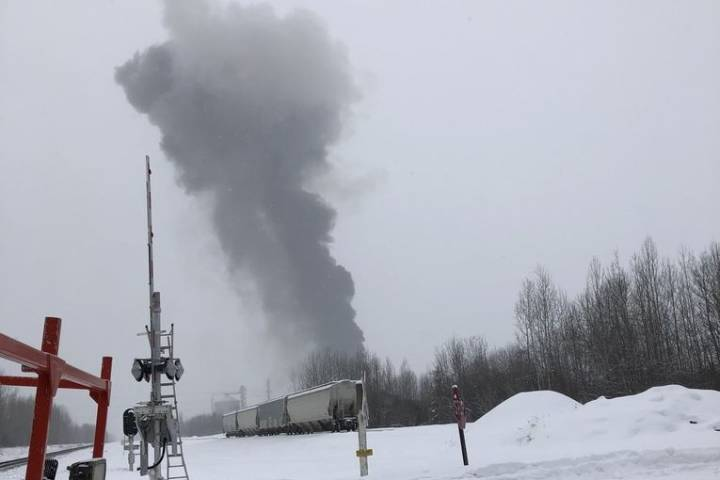 Emergency crews respond to fire at energy plant west of Edmonton