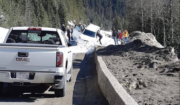 Vehicle 'involved' in Trans-Canada avalanche east of Revelstoke: B.C. Transportation Ministry