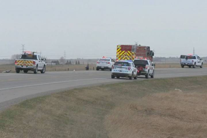 2 people ejected from vehicle in deadly highway crash near High River