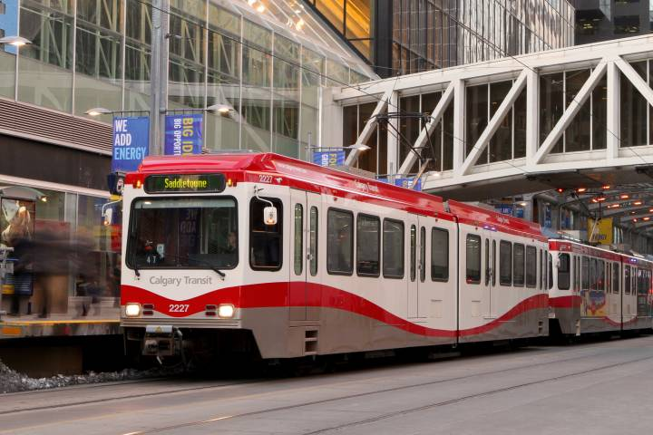 Calgary Transit warns of website selling fraudulent passes, offers reminder to users