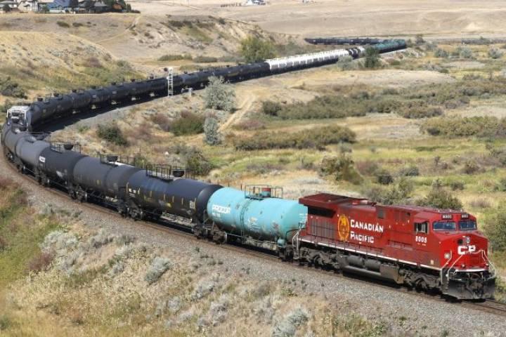 Crude by rail rises in March but storage high despite Alberta curtailments