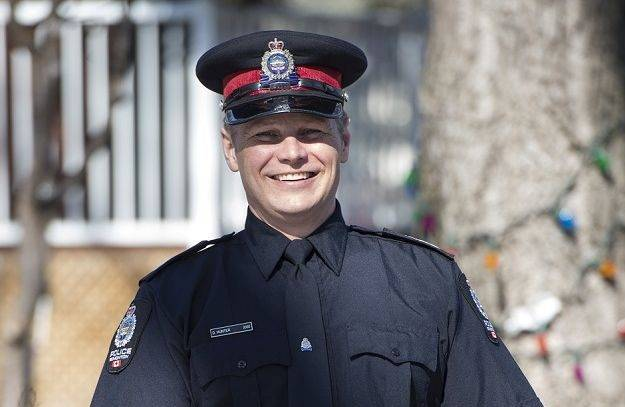 Edmonton officer named Kiwanis Club's 2018 Top Cop for work on Candy Cane Lane