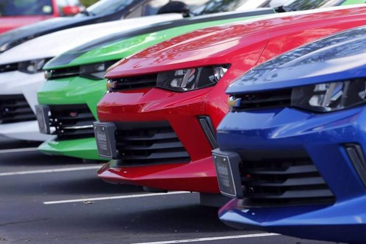 Deals, convenience drive popularity of dealership financing for vehicle buyers