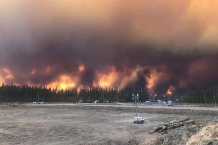 Power, cell service lost as 'Level 6' wildfire burns out of control in High Level