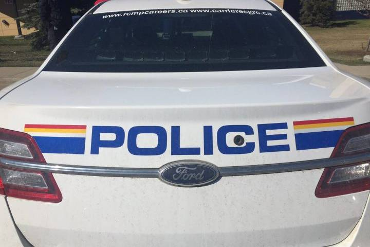 Damaged gas main prompts police to ask people to avoid downtown Airdrie