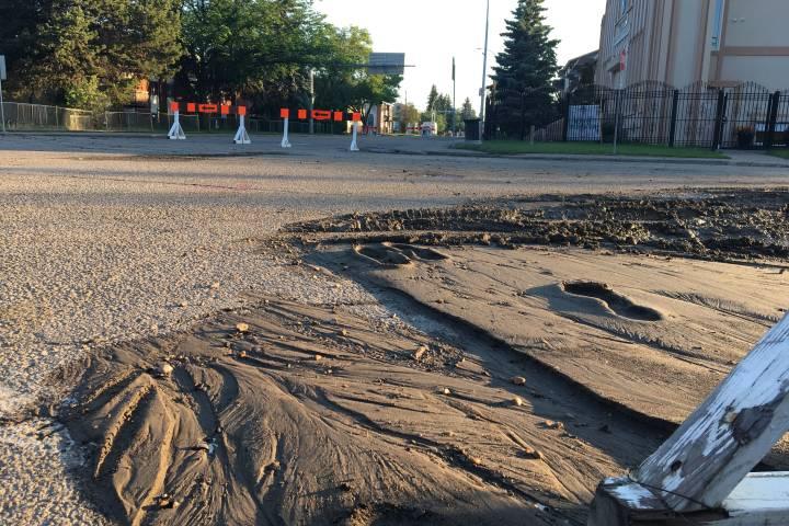 Northeast Edmonton road closed due to water main break