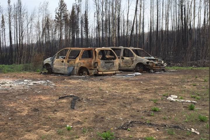 Tough return for Paddle Prairie Métis Settlement after Alberta wildfire: 'It hurts to see'