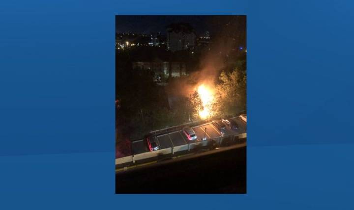 Fire crews battle blaze at downtown Edmonton house