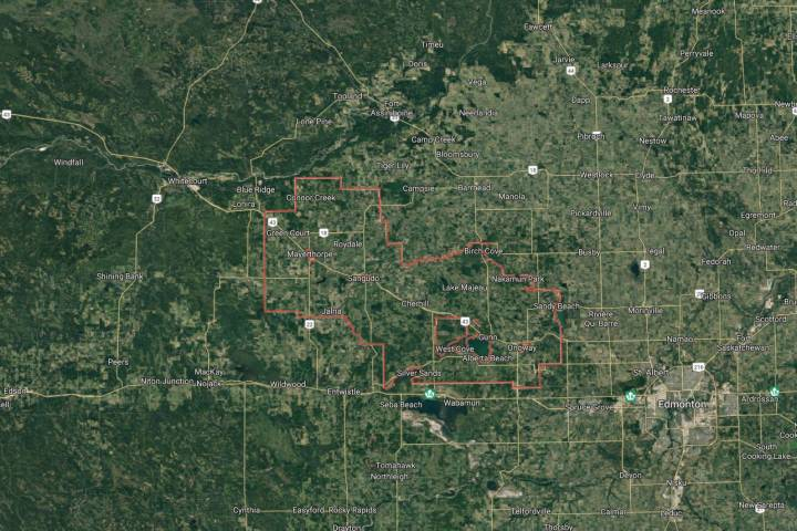 Flooding, slides affecting roads in Lac Ste. Anne County