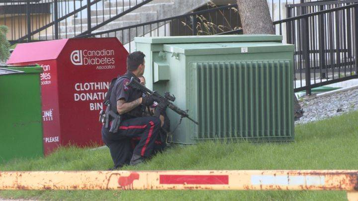 Police respond after bullet rips through apartment building in northeast Calgary