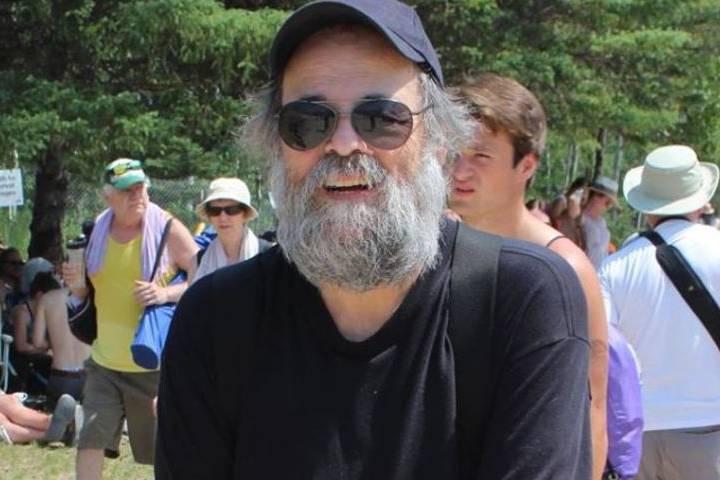 Canadian music scene icon, Winnipeg Folk Fest founder Mitch Podolak dies