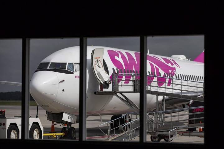Swoop promises compensation after 6 more flights cancelled over damaged plane