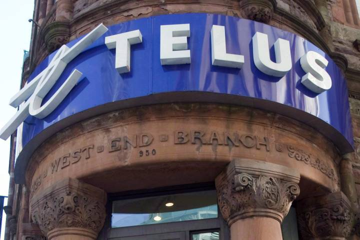 Telus offers bill credits as email disruption hits 5th day