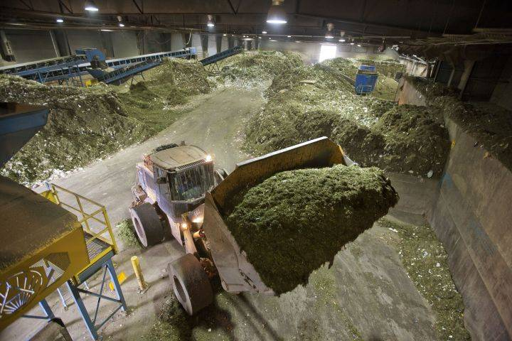 City councillor raises concerns about financial agreements around next Edmonton composter