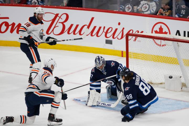 Ethan Bear and Tomas Jurco shine in Edmonton Oilers win over Jets