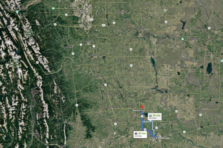 Train derails, leaking octane, in southern Alberta