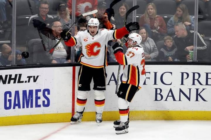 Backlund propels Flames to 2-1 victory over Ducks