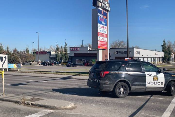 Bullets fired between suspects hit Mr. Sub in southwest Calgary: police