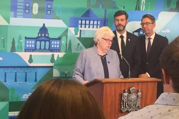 Edmonton city manager Linda Cochrane announces retirement