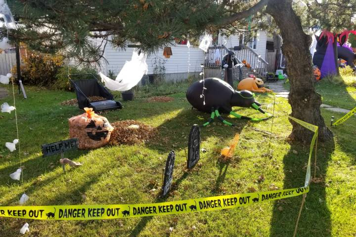 Front Yards in Gloom celebrates spooky and spectacular Halloween homes in Edmonton