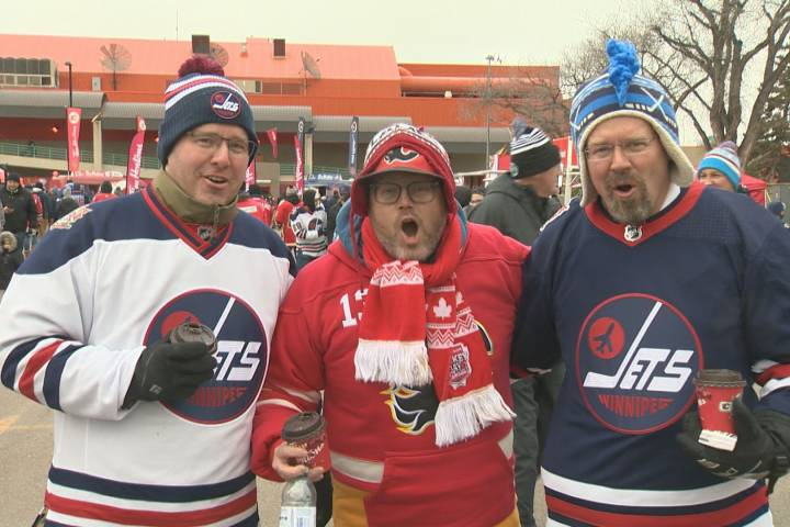 Hockey fans unite on neutral ground at Heritage Classic in Regina
