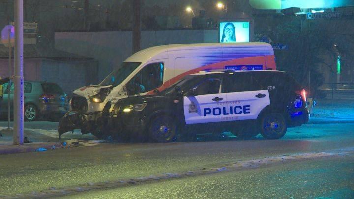 Central Edmonton crash sends postal worker, 2 police officers to hospital