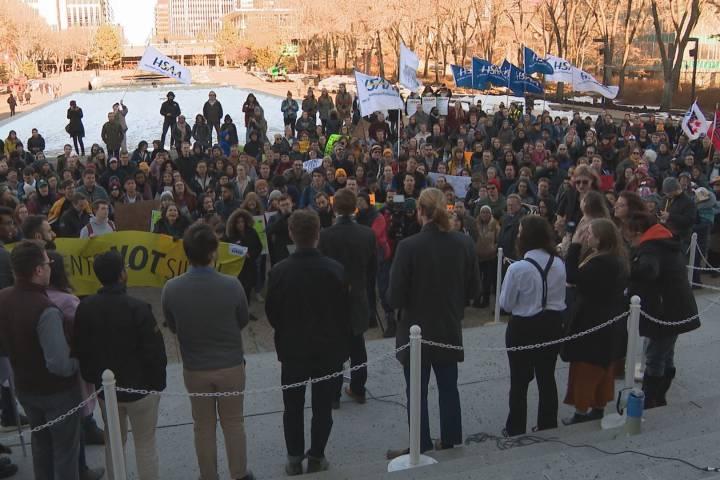 Post-secondary students descend upon Alberta legislature to protest UCP cuts