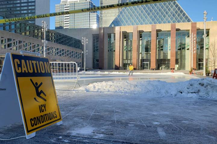 Edmonton's outdoor skating rink at city hall closes 3 days after it opens