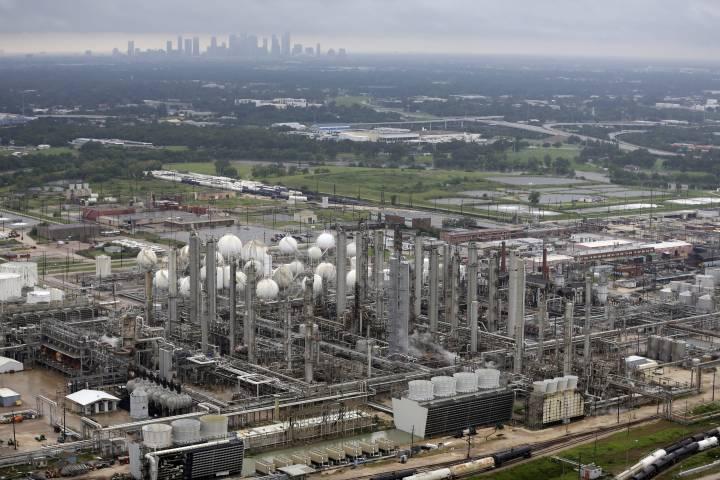 Alberta petrochemical project cost estimate rises to about $4.9 billion