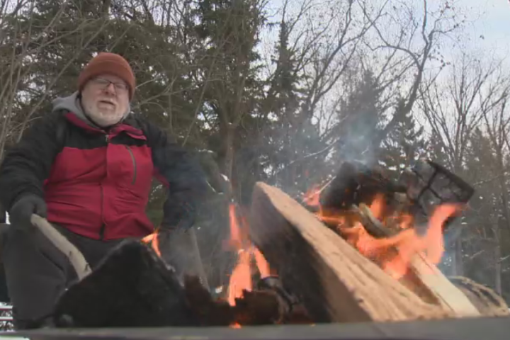 Edmonton's 'Freezing Father' camping outside to raise money for children's hospital