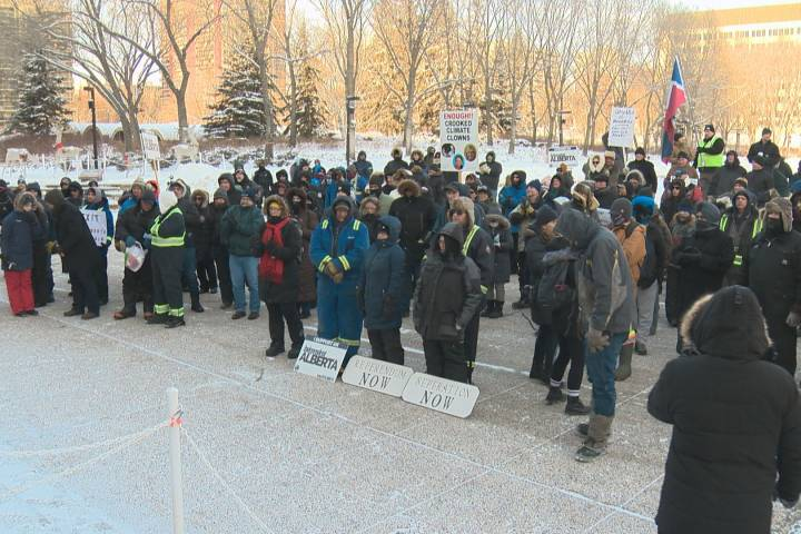 'We're looking for our own country': Wexit supporters brave cold in Edmonton for referendum protest Saturday