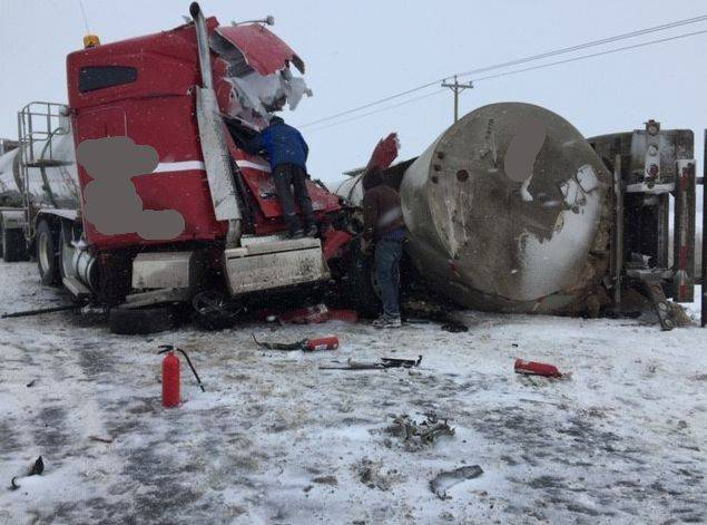 3 people killed in highway crash near Boyle involving 2 semis, taxi