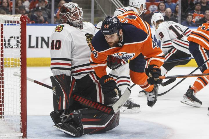 Edmonton Oilers begin life without McDavid with win over Blackhawks