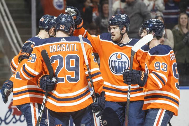 Leon Draisaitl fires home two as Edmonton Oilers evade Predators