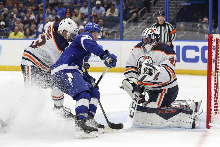 Red-hot Lightning knock off Edmonton Oilers