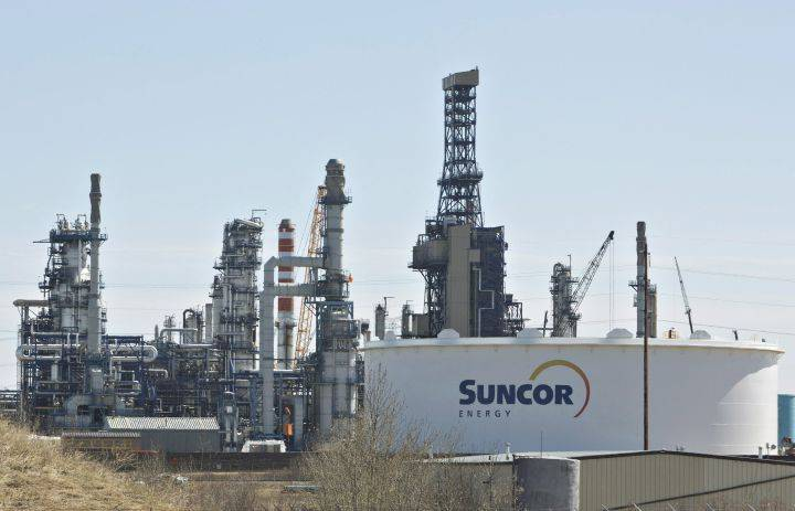 Suncor Energy posts $2.3B loss as company writes down oilsands and offshore assets